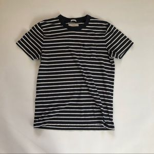 Nave and white stripped Abercrombie & Fitch shirt